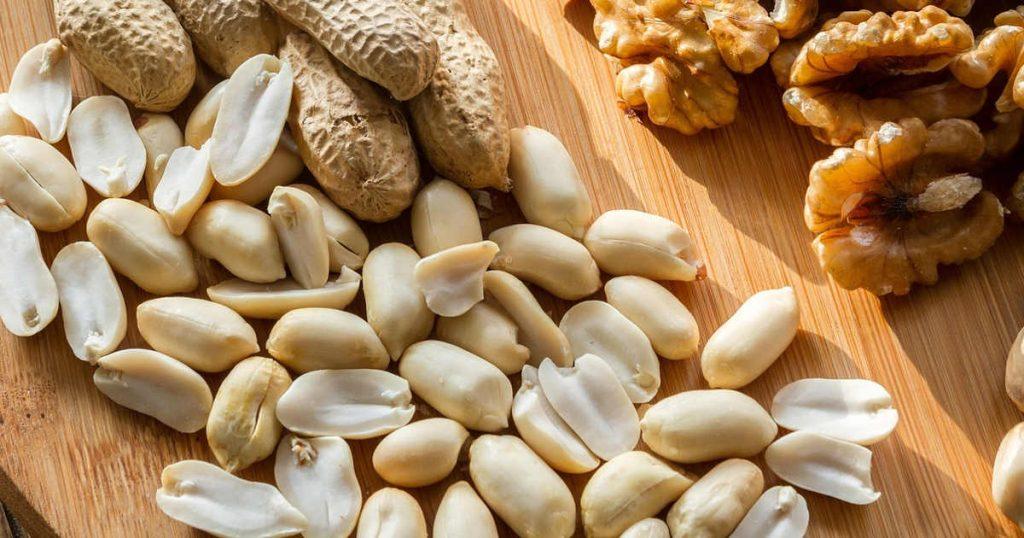 verschiedene Nüsse mit vielen Nährstoffen